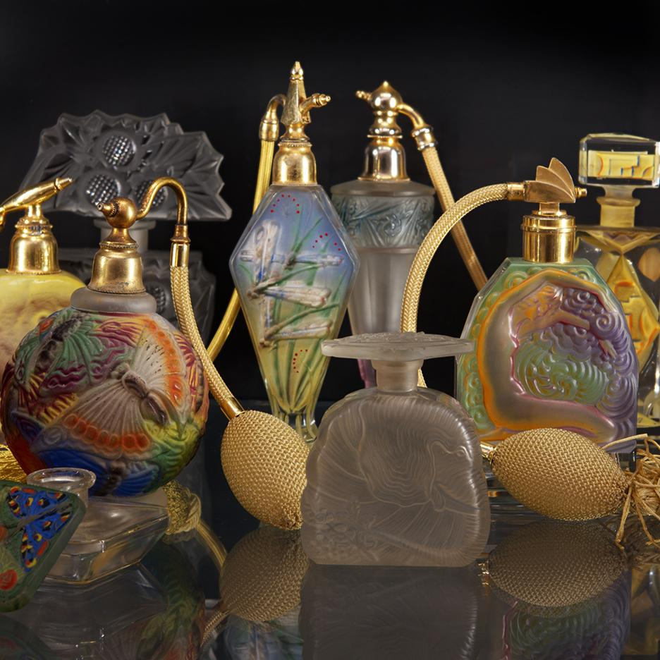 An assortment of airbrushed czeck glass